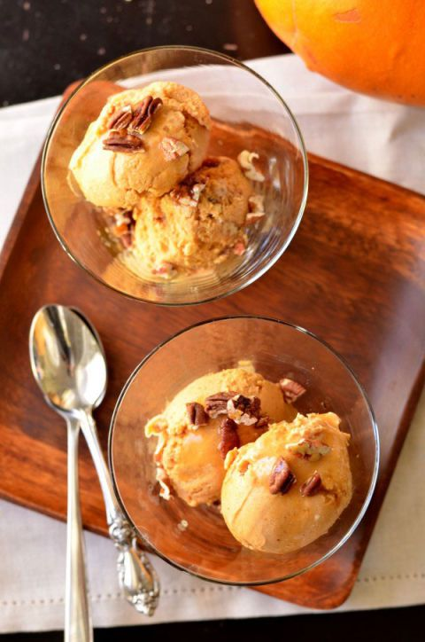 tekvica maple bourbon pecan ice cream