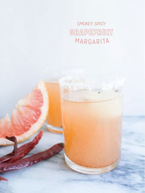 สโมคกี้ spicy grapefruit margarita