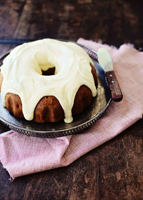 chai spiced apple cake with mascarpone frosting