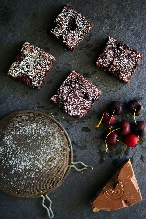 balsamisk roasted cherry brownies