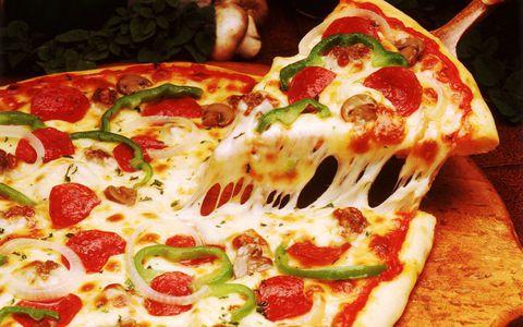 hur många kalorier pizza