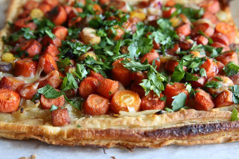 Recept for caramelized carrot and onion tart.