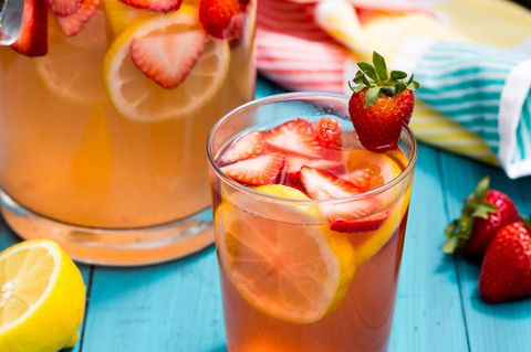 Roza Lemonade Sangria Recipe
