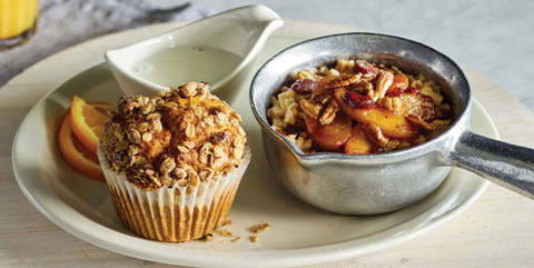 jablko & Cinnamon Oatmeal With Pumpkin Muffin