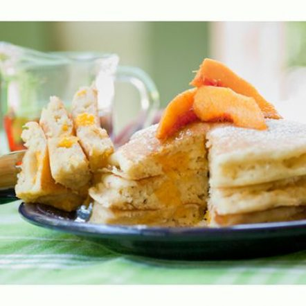 54f6d0093db34_-_like-mother-like-daughters-kerbey-lane-peach-pancakes-de